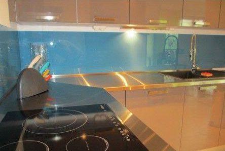 credence pas cher et plan de travail sur mesure pour cuisine. Black Bedroom Furniture Sets. Home Design Ideas